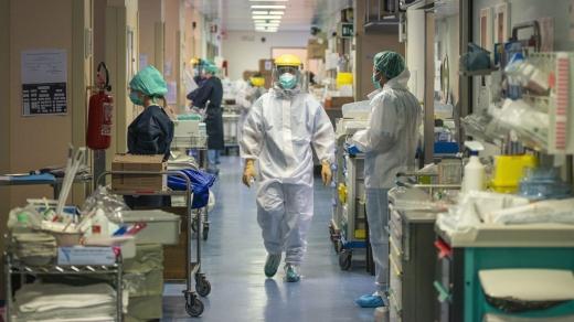 CLUJ: aproape 100 de pacienți internați la ATI, dar rata incidenței este în continuă scădere