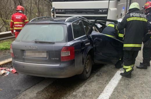 Sursă foto: Digi24. Accident MORTAL între o mașină și un TIR. O femeie și un bărbat din Cluj au murit în urma impactului