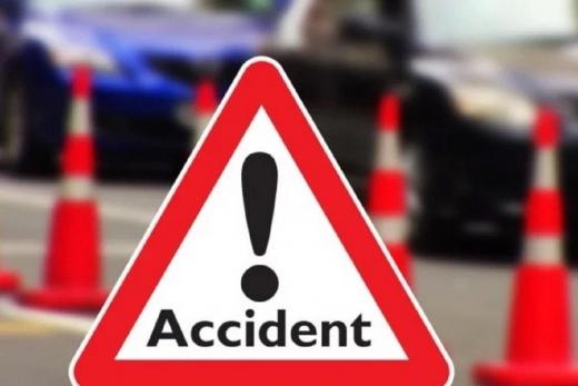 ACCIDENT la prima oră între Mociu și Zoreni! O mașină s-a răsturnat în afara carosabilului
