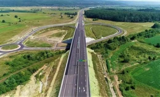 Exproprierile pentru Autostrada Transilvania continuă. Se lucrează intens pe tronsonul Nădășelu-Mihăiești, în capătul dinspre Cluj.