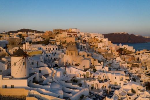 Românii care se întorc din Grecia trebuie să stea în CARANTINĂ! Cine face excepție de la regulă?