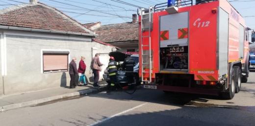 FOTO. INCENDIU de mașină în Mărăști!