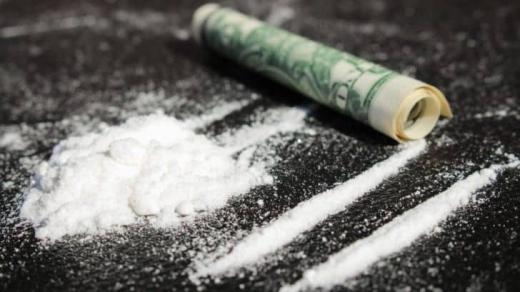 Un bărbat din Cluj, reținut pentru trafic de DROGURI! S-au găsit substanțe de risc mare și sume de zeci de mii de EURO