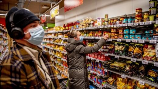 Magazinele și mall-urile din Cluj, deschise AZI până la ora 20. Nu se va ține cont de incidență și restricții