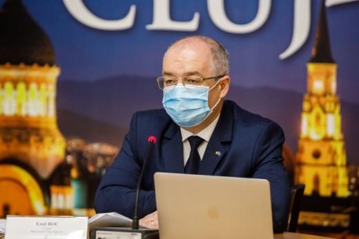 """Miza pentru oprirea pandemiei prin vaccin e în mediul rural. Emil Boc: """"Acolo preotul va avea rol decisiv"""""""