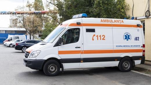 Un copil de 10 ani a murit electrocutat. Fratele său l-a găsit întins pe podea