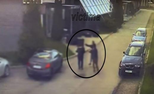 VIDEO. Soție înșelată din Cluj i-a băutut pe amanta soțului, pe care a răpit-o din fața unui hotel