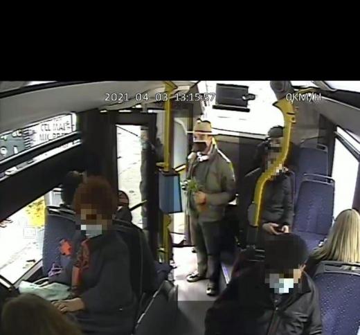FOTO. INCIDENT ȘOCANT în CLUJ-NAPOCA! Un control de la CTP, bătut într-un autobuz de un tânăr