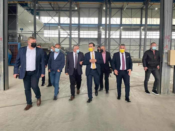 Liderii PNL, vizită în Parcul Industrial din Câmpia Turzii. Primarul Lojigan