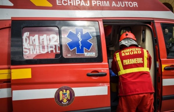 ACCIDENT în zona localității Izvorul CrișuluI! Un TIR și o mașină implicate