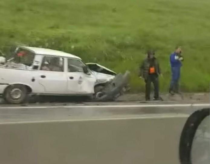 VIDEO. Două mașini s-au făcut PRAF la urcare spre Feleacu. O persoană a fost rănită