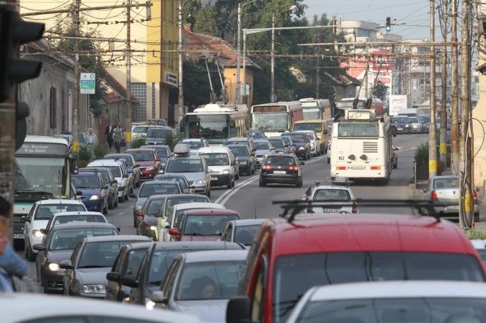 """Boc vrea să convingă clujenii să lase mașina acasă: """"Ori cât de mult am lărgi un bulevard, va fi plini de mașini"""""""
