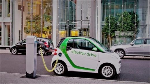 Peste 20 de noi autorizații pentru taxiuri electrice, la Cluj-Napoca.