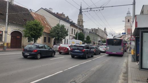 Toate cartierele Clujului, PARALIZATE! Mașinile sunt bară la bară, în centru și la periferie. Polițiștii stau la ieșirea din oraș