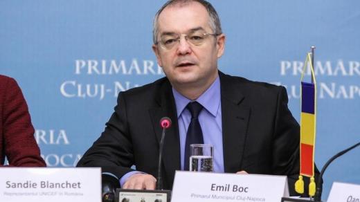 FOTO. Emil Boc, IRONIZAT de un PUB din Cluj-Napoca de Ziua Copilului