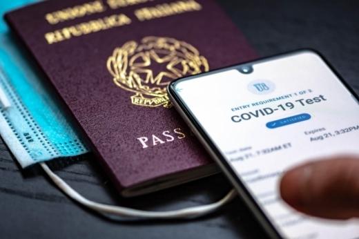 Primele țări care introduc certificatul verde digital. Persoanele vaccinate pot călători fără restricții.