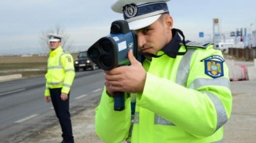 Tânăr de 20 de ani, prins cu 120 km/h pe o stradă din Cluj-Napoca.