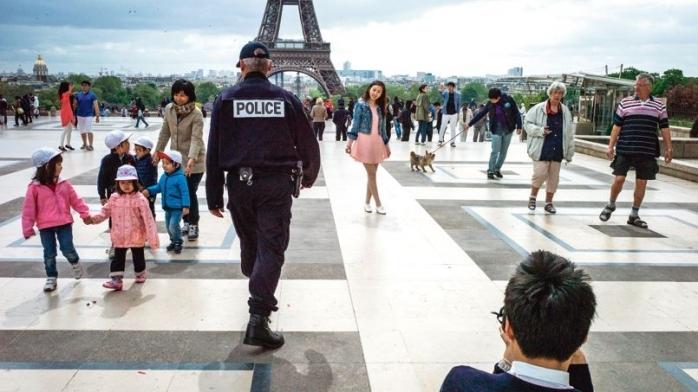 Parisul îi aşteaptă pe turiştii români vaccinaţi. Franța elimină obligativitatea testelor negative.