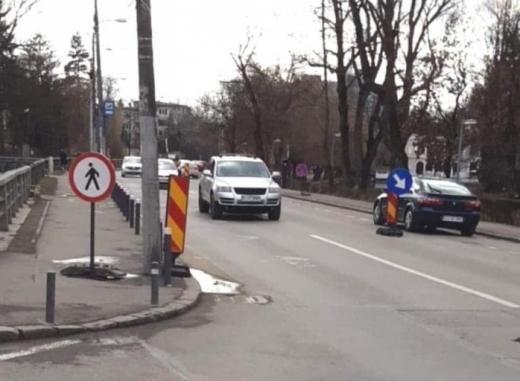 Restricții de circulație pe strada Cardinal Iuliu Hossu din Centru. Traficul, deviat pe rute alternative