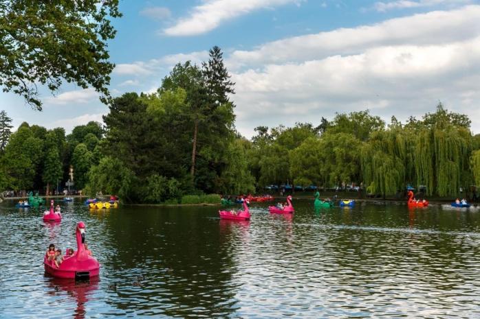 Hidrobicicletele revin pe lacurile din Cluj-Napoca! Unde te poți relaxa în weekend