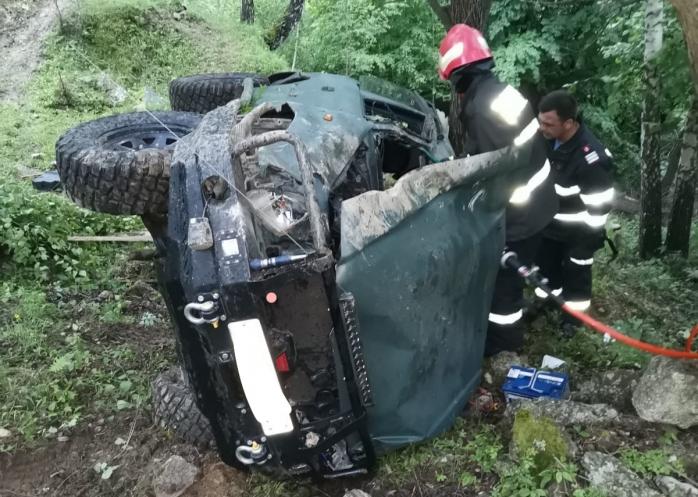 FOTO. Accident cu un MORT și doi răniți, la Muntele Rece. Tânărul care a murit își sărbătorea azi ziua