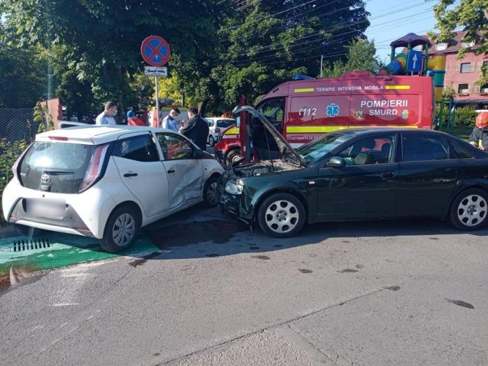 FOTO. Accident în Gheorgheni! Doi adulți și doi copii, consultați de medici