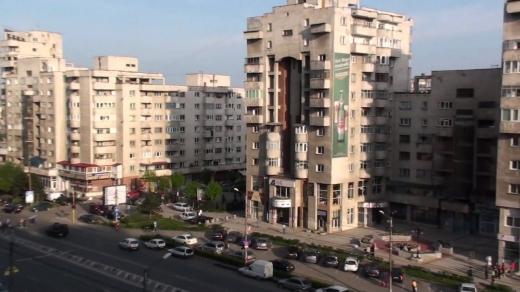 Un băiat de 16, la volanul unei mașini cu plăcuțe false, a produs un ACCIDENT pe Aurel Vlaicu