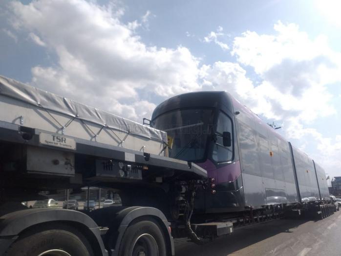 FOTO. Un nou tramvai Astra Imperio a ajuns în Cluj-Napoca