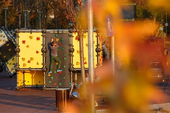 Se redeschid terenurile de sport din Baza Sportivă Gheorgheni. Rezervarea e obligatorie