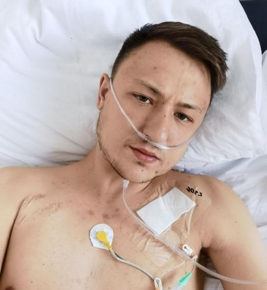 """Tânăr din Cluj, cu o boală incurabilă, strigă după ajutor: Am """"murit"""" de două ori, pulsul a ajuns la 250 bpm. Gândul mi-a fost doar la copilul meu"""