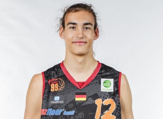 Tânărul baschetbalist clujean Eduard Roschnafsky va juca în prima ligă din Germania