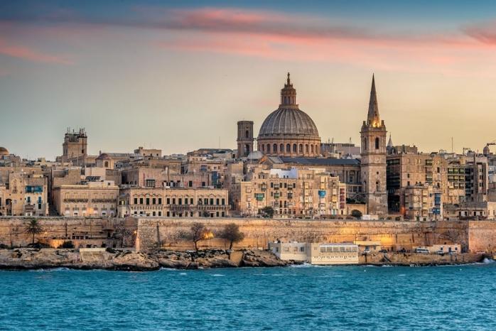 Malta a inclus România în zona ROȘIE. Condiții aspre la intrare în țară, pentru cei ce merg în vacanță