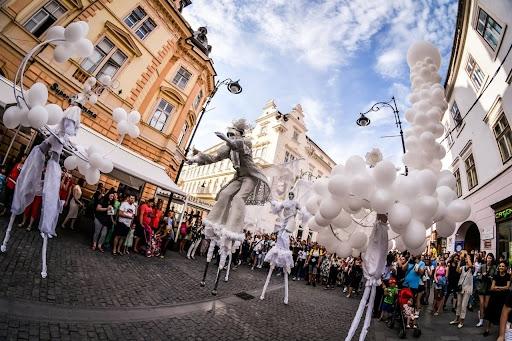 2.000 de bilete vândute într-o singură oră la Festivalului Internaţional de Teatru de la Sibiu