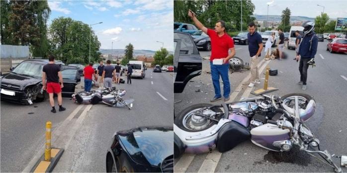 Accident GRAV pe Calea Turzii! Un motociclist, întins pe jos în mijlocul drumului după impact