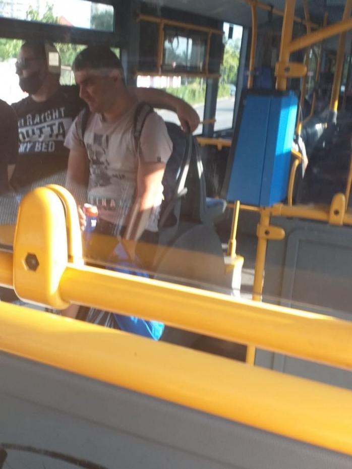 VIDEO. Bere, muzică și fără mască de protecție în autobuzele CTP! Legile sunt doar pentru unii clujeni