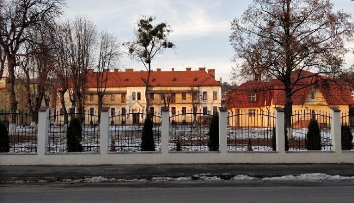 Tișe reduce cu 70% posturile de conducere de la Protecția Copilului Cluj