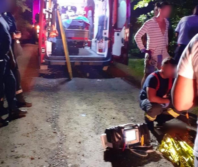 Mașină căzută într-o râpă, în Cluj. Cinci persoane au ajuns la spital.
