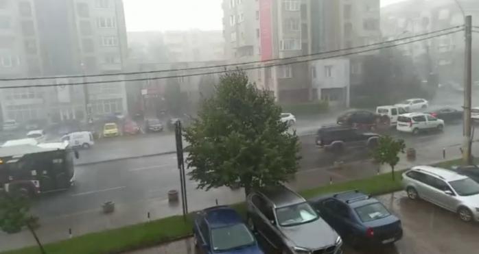 VIDEO. Au reînceput VIJELIA și VREMEA REA, la Cluj! Județul, sub COD GALBEN.