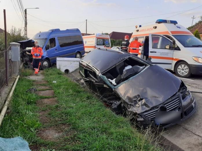 Accident MORTAL în localitatea Luna, cu trei mașini implicate. Un bărbat și-a pierdut viața.