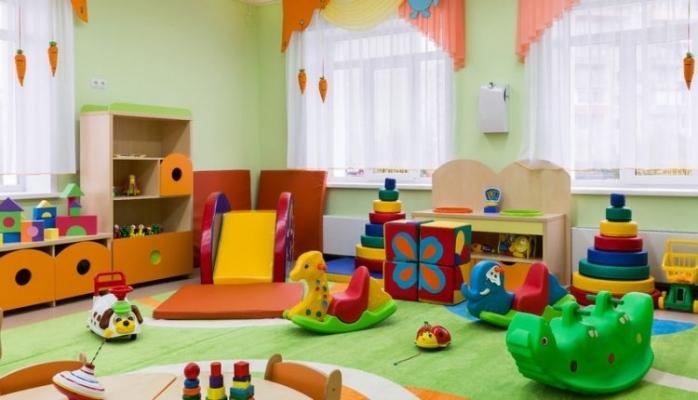 Boc vrea să dubleze numărul locurilor la creșele din Cluj-Napoca, începând din această toamnă. Aproape 1.400 de copii ar putea prinde loc.