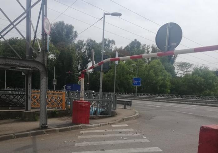FOTO. Bariera de pe strada Mamaia a rezistat 3 săptămâni