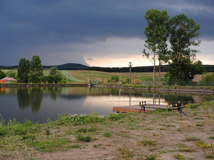 Weekend la pescuit. Lacuri, bălți și râuri din Cluj, perfecte pentru relaxare în familie sau cu prietenii
