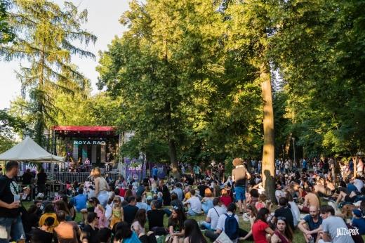 Încep înscrierile pentru voluntariat la Jazz în the Park