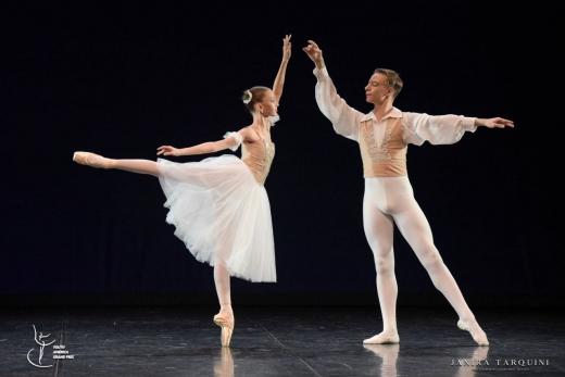 Performanţă şi dedicare: Maya și Felix, doi tineri balerini care au atins culmile succesului
