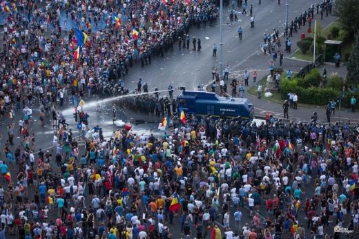 Monica Macovei cere dreptate la 3 ani de la incidentele din Piața Victoriei