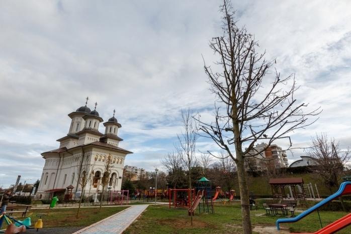 S-a semnat contractul pentru revitalizarea zonei Expo Transilvania. Parking de 350 de locuri și teatru în aer liber