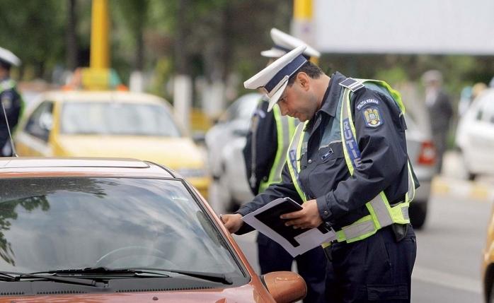 Pe drumurile Clujului se circulă fără permis de conducere! Când a fost prins, un tânăr a încercat să fugă de Poliție