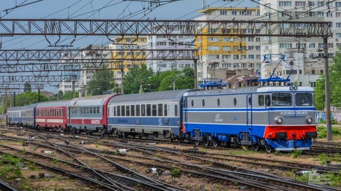 Mai multe vagoane pentru trenurile care pleacă spre litoral