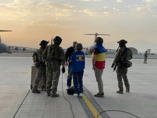 BREAKING NEWS! Un singur român a fost recuperat de aeronava Forțelor Aeriene Române în Afganistan