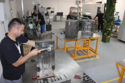 ProMold produce piese metalice, din inox, aluminiu, oțel sau cupru